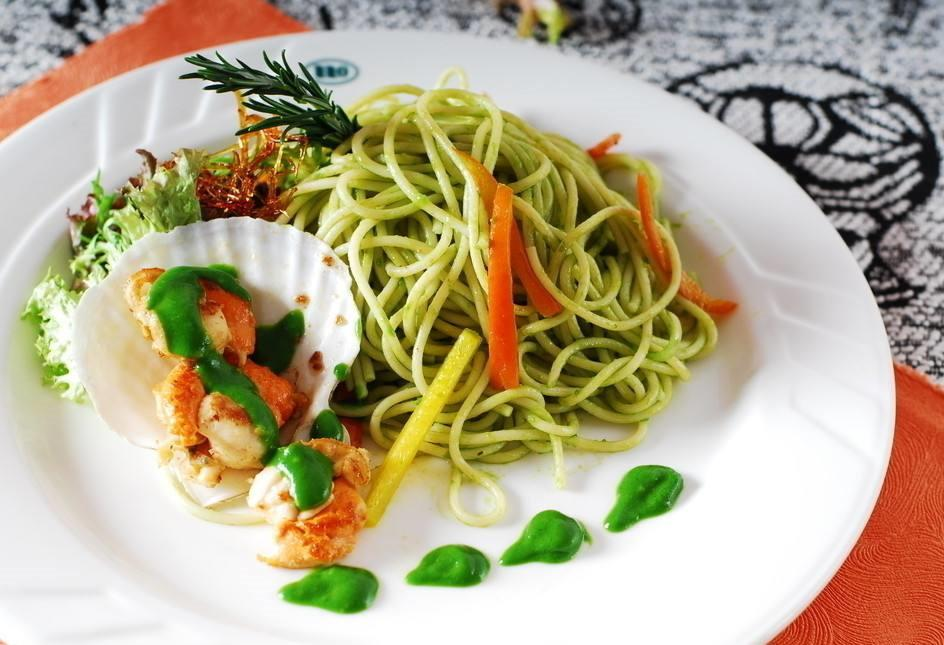 spinach powder noodles